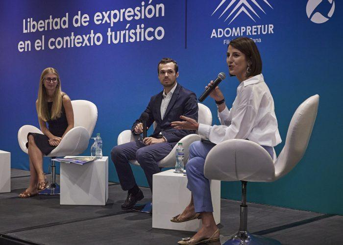 Carlota Porta, Gregoire Asselin y Helena Saenz